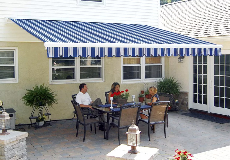 Retractable Awning Blue Stripes